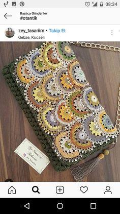 Crochet LED Lighted Hooks Set Value Pack (Batteries Included) Crochet Purse Patterns, Crochet Clutch, Crochet Purses, Knitting Patterns, Crochet Bags, Diy Crochet, Crochet Crafts, Crochet Projects, Hand Knit Bag