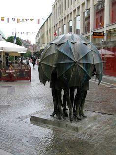 A Jurubeba Cultural:            ● A Arte... As esculturas urbanas.