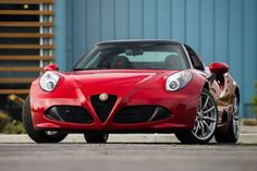 Alfa Romeo 4C Spider: La elegancia y la sensualidad de sus formas son las notas dominantes en el frontal del Alfa Romeo 4C Spider. Fuente: Alfa Romeo
