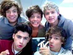 I'm going to see these boys in concert... so unreal... I feel bad for all the DIRECTIONERS who didn't get tickets. but only directioner not directionators