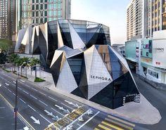 Architecture Origami - Starhill Galllery - Spark   Sélection de projets à découvrir sur notre blog   https://www.novoceram.fr/blog/tendances-deco/architecture-origami  #architecture #origami #novoceram