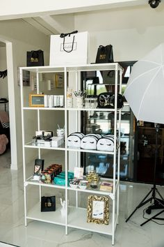 You are in the right place about makeup room ideas salon Here we offer you the most b Beauty Room Decor, Beauty Salon Decor, Beauty Bar, Makeup Studio Decor, Esthetics Room, Lash Room, Salon Interior Design, Makeup Rooms, Vanity Decor