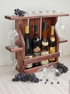 36 creative diy wine racks for your collection 26 Diy Wood Projects, Woodworking Projects, Wine Rack Inspiration, Wine Rack Design, Rustic Wine Racks, Diy Wine Racks, Pallet Wine, Wine Shelves, Wine Craft