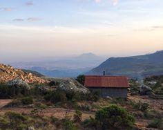 http://cabinporn.com/post/136685096222/porters-cabin-near-mount-mulanje-malawi