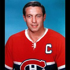 Le légendaire Jean Béliveau est décédé à l'âge de 83 ans | HollywoodPQ.com Canadian Hockey Players, Canadian Football, Montreal Canadiens, Hockey Teams, Ice Hockey, Nhl, Hockey Pictures, Hockey World, Good Old Times