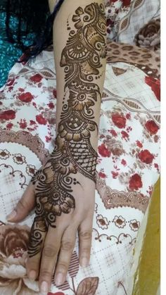 A special mehndi design for karwa chauth Mehndi Designs Book, Full Hand Mehndi Designs, Indian Mehndi Designs, Mehndi Designs For Girls, Stylish Mehndi Designs, Mehndi Designs For Beginners, Mehndi Design Pictures, Wedding Mehndi Designs, Mehndi Designs For Fingers