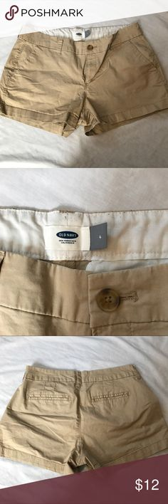 Old Navy Khaki Shorts Comfy, casual shorts from Old Navy that were well cared for - these are in great shape.    ✅20% Off Bundles   ✅Questions Welcomed   ✅Reasonable Offers   ⛔️Trades   ⛔️Offline Transactions   Thrift is Sexy 💋👠 Old Navy Shorts