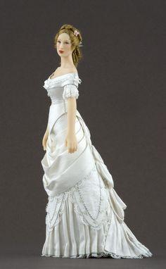 By Carabosse Dolls. Elise Fashion, Maria Jose Santos, Porcelain Dolls Value, Fashion Dolls, Victorian, Angel, Dresses, Vestidos, Gowns