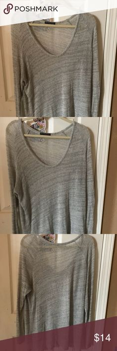 NWOT Brandy Melville Grey Long Sleeve 💕 Cozy and soft heather grey pullover - perfect for layering. No flaws. Brandy Melville Tops