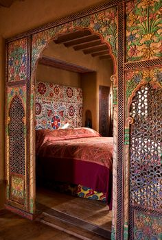 Orientalisches Schlafzimmer gestalten - wie im Märchen wohnen chambre marocaine lit marocain Moroccan Style Bedroom, Moroccan Interiors, Moroccan Design, Moroccan Decor, Moroccan Lanterns, Moroccan Tiles, Turkish Tiles, Portuguese Tiles, Bohemian Bedrooms