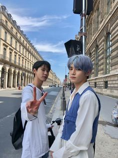 All I do is miss you ♪♩ taeyong parisintherain lauv doyoung nct neocity Winwin, Jaehyun, Nct 127, Cities In Paris, Haikyuu, Nct Group, Photo Recreation, Nct Doyoung, Wattpad