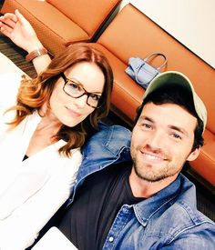 Laura and Ian on Pretty Little Liars Pretty Litte Liars, Pretty Little, My Doppelganger, Laura Leighton, Ezra Fitz, Little Linda, Ian Harding, Tv Quotes, Thomas Brodie Sangster