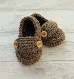 Baby boy booties in taupe, little loafers, crochet baby shoes size 3/6 months with giftbox ready to ship