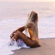 Sevahna Anderson in the Poppy One Piece in Mango by Frankies Bikinis Bikini Photos Anderson bikinis Frankies Mango Piece Poppy Sevahna Vintage Bikini, Beach Poses, Beach Shoot, Poses On The Beach, Photoshoot Beach, Beach Photography Poses, Levitation Photography, Dream Photography, Exposure Photography