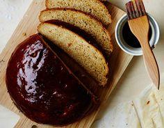Mitä olisi joulu ilman mausteista ja makeaa limppua? Siirappikylpy tekee kuoresta leivän parhaan osan.