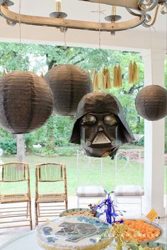 Love these simple Star Wars party ideas!