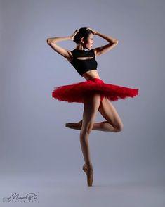 Beautiful dancer Abigail Oliveiro with the Ballet Manila Photo ©️ Mark Sumaylo Photography 💢▪️💢▪️💢▪️💢▪️💢▪️💢▪️💢 💢▪️💢▪️💢▪️💢▪️💢▪️💢▪️💢 Dance Photography Poses, Dance Poses, Dance Images, Dance Pictures, Female Dancers, Ballet Dancers, Ballerinas, Ballet Fashion, Tiny Dancer