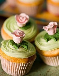 Pretty green cupcakes + a rose