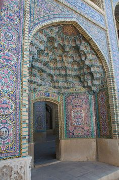 Doorway at the Nasir-ol-Molk mosque, Shiraz, Iran. Photo: A Davey Persian Architecture, Beautiful Architecture, Beautiful Buildings, Art And Architecture, Architecture Details, Beautiful Mosques, Beautiful Places, Place Of Worship, Moorish