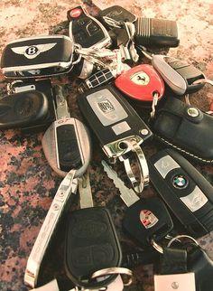 "Luxury Cars Bugatti Expensive Bentley 4 Door Tesla Maserati Ferrari Audi Cadillac Lamborghini Porsche 👉 Get Your FREE Guide ""The Best Ways To Make Money Online"" Luxury Blog, Luxury Cars, Luxury Homes, Rolls Royce, Porsche 918 Spyder, Billionaire Lifestyle, Wealthy Lifestyle, Luxury Lifestyle Women, Rich Lifestyle"
