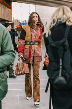 LFW FALL 18/19 STREET STYLE IV