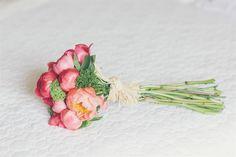 ramo de novia de peonias coral y tallo largo                                                                                                                                                     Más