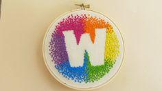 """Benutzerdefinierte ersten Rainbow Hand Embroidery Hoop Kunst, 5 """"Holz Hoop, wählen Sie Ihren Brief"""
