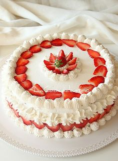 Torta Sospiro alle fragole - La Cuoca Dentro