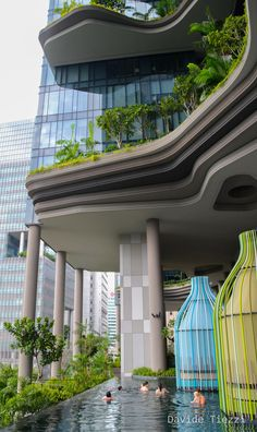 In the need for some inspiration? Take the best that the singapore culture has to offer and find out some interior design ideas for your projects! Amazing Hotels and decor from Singapore. Hotel Architecture, Green Architecture, Futuristic Architecture, Landscape Architecture, Landscape Design, Architecture Design, Eco Buildings, Future Buildings, Park Royal Singapore