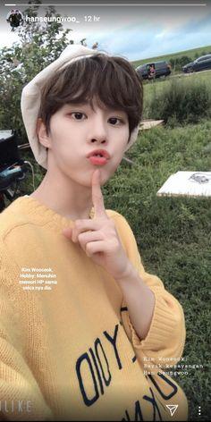 Tentang Seungwoo yang selalu berusaha menjaga Wooseok dalam diem. O… #fiksipenggemar # Fiksi penggemar # amreading # books # wattpad