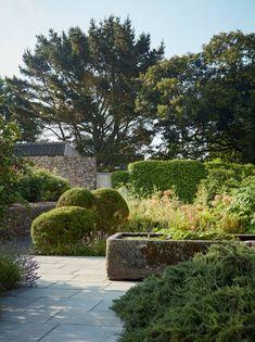 Dan Pearson Little Dartmouth garden Back Gardens, Small Gardens, Outdoor Gardens, Modern Landscaping, Backyard Landscaping, Landscaping Ideas, Conception Durable, Dan Pearson, Coastal Gardens