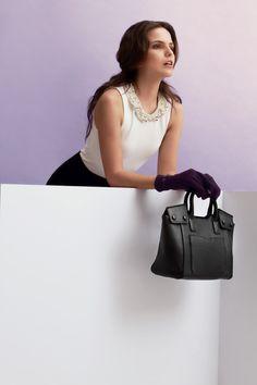 Giorgio Agnelli Women's Bag - Padova Black A modern elegant hand bag design Full Grain cow leather material Cow Leather, Leather Bag, Bag Design, Leather Material, Luxury Branding, Belt, Wallet, Elegant, Modern
