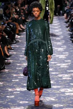 http://www.vogue.com/fashion-shows/fall-2016-ready-to-wear/rochas/slideshow/collection