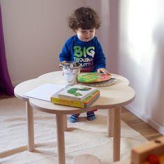 Kindertisch Blume, niedrig von Alini Kindermöbel auf DaWanda.com