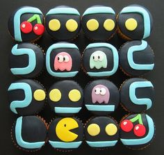 The fondant on these Pac-Man cupcakes is perfect. If you're looking to turn these cupcakes into something a little more suited for couples adding Ms. Pac-Man will definitely do the trick! Cupcakes Design, Cupcakes For Men, Yummy Cupcakes, Sushi Cupcakes, Cake Designs, Nerd Cupcakes, Robot Cupcakes, Custom Cupcakes, Pastel Nintendo