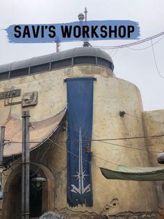 Savi's Workshop - Build A Lightsaber, Blue Lightsaber, Sith Warrior, Mace Windu, Star Wars Images, Disney Star Wars, Disney Vacations, Blue Crystals, Dark Side