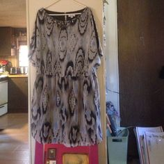 ⚡️Final price. Dress Barn Dress. Gently used. Has pretty embellished detail at neckline. Has cut out sleeves. Nice flowy material. This is a re-Posh. I bought this and sadly it doesn't fit me. Dress Barn Dresses