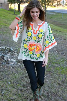ed5d066100ec Accessorize this Spring Ivy Jane top with bright blues and greens!