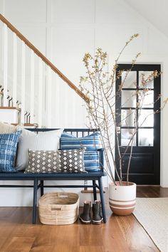Home Decor – Entryway :     Cali modern entryway    -Read More –