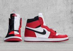 """Jordan Brand unveils this insane Air Jordan 1 Retro High OG """"Homage To Home"""" Sample that combines the famed """"Banned"""" and """"Chicago"""" colorways into one cohesive sneaker. The shoes are split down the tongue, with the """"Banned"""" color owning the … Continue reading →"""