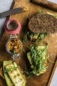 The Super Sandwich De eindeloze hummus nu wel zat? Dan word je waarschijnlijk heel gelukkig van deze vegan paté!