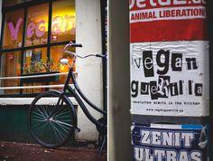 Anna Wegelin hat sich die vegane Essenskultur in Amsterdam angeschaut und uns mit einer fantastischen Auswahl an veganen Restaurants versorgt.