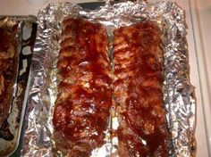 Low & Slow Oven Baked Ribs - Super Simple This is truly the ONLY rib recipe you will ever need. Ribs simply dont get any better than this! Youll need a fork and knife to eat these, as they will FALL OFF THE BONE.tastier than you can imagine. Grilling Recipes, Pork Recipes, Cooking Recipes, Crockpot Recipes, Recipies, Dinner Crockpot, Smoker Recipes, Slow Baked Ribs, Slow Cooked Oven Ribs