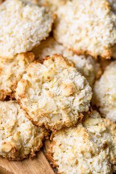 Krispie Treats, Rice Krispies, Cookie Decorating, Christmas Cookies, Cauliflower, Cooking Recipes, Sweets, Vegetables, Cake