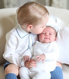 Princess Charlotte Elizabeth Diana receiving a sweet affectionate kiss from brother Prince George Alexander Louis!!! Toooo adorable!!!!