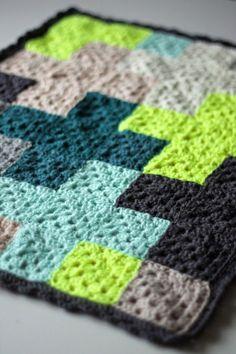 http://muitaihania.blogspot.fi/2014/08/blog-post.html granny squares