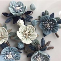 Ribbon Art, Ribbon Crafts, Fabric Crafts, Paper Crafts, Denim Flowers, Cloth Flowers, Fabric Flowers, Fabric Origami, Denim Crafts