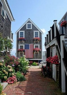 Provincetown is a New England town located at the extreme tip of Cape Cod in Barnstable County, Massachusetts, in the United States. Les Hamptons, Equador, To Infinity And Beyond, Beach Cottages, Coastal Living, Weekend Humor, Weekend Quotes, Dream Vacations, Texas Vacations
