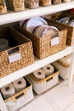 Small Pantry Organization, Pantry Storage, Organization Hacks, Kitchen Storage, Organized Pantry, Pantry Ideas, Kitchen Cupboard, Organizing Tips, Kitchen Cabinets
