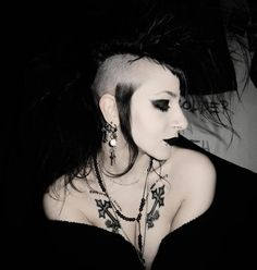 gothic jewelry for women uk Deathrock Fashion, Punk Fashion, Gothic Fashion, Dark Beauty, Gothic Beauty, Gothic Art, Steampunk, Victorian Goth, Goth Makeup
